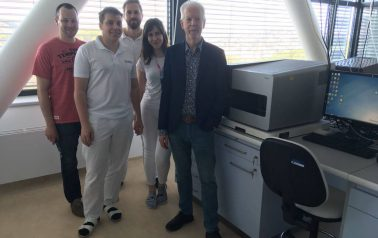 World-renowned geneticist Professor Alan Handyside visited our clinic.